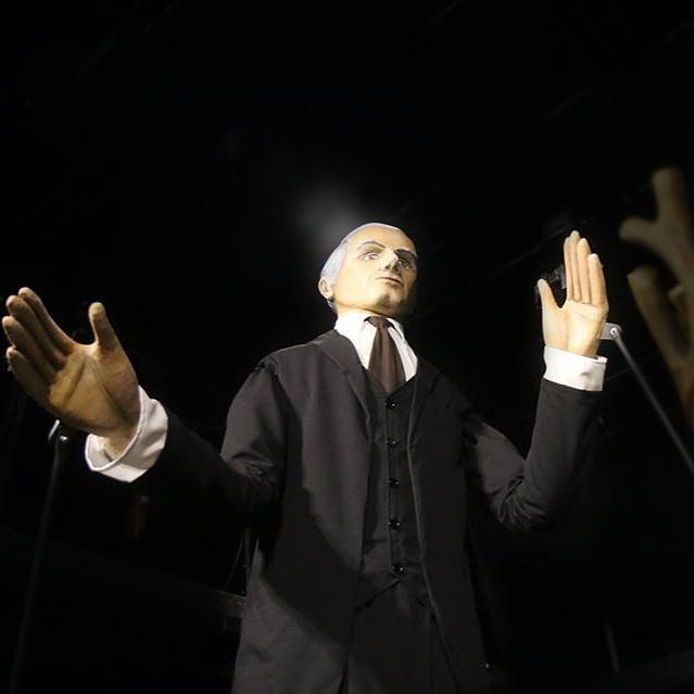Bartók-óriásbábuval nyílt a miskolci Operafesztivál